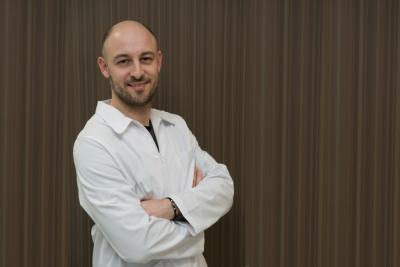 Tratamiento de las malposiciones de los párpados o palpebrales